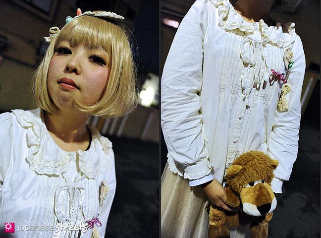 120122-3635-120122-3645: Japanese street fashion in Harajuku, Tokyo