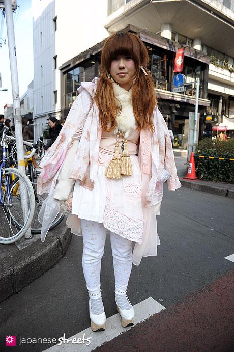 120303-7294: Japanese street fashion in Harajuku, Tokyo (Number 406, Cathy, New York Joe, Bodyline, rurumu)