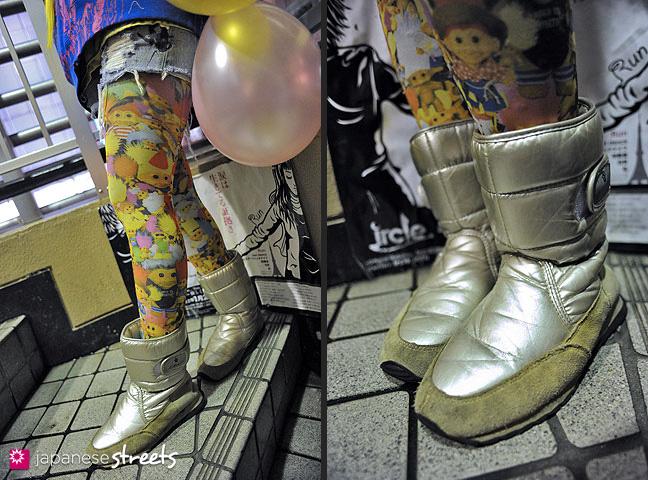 120225-6672-120225-6676: Street fashion in Shibuya, Tokyo
